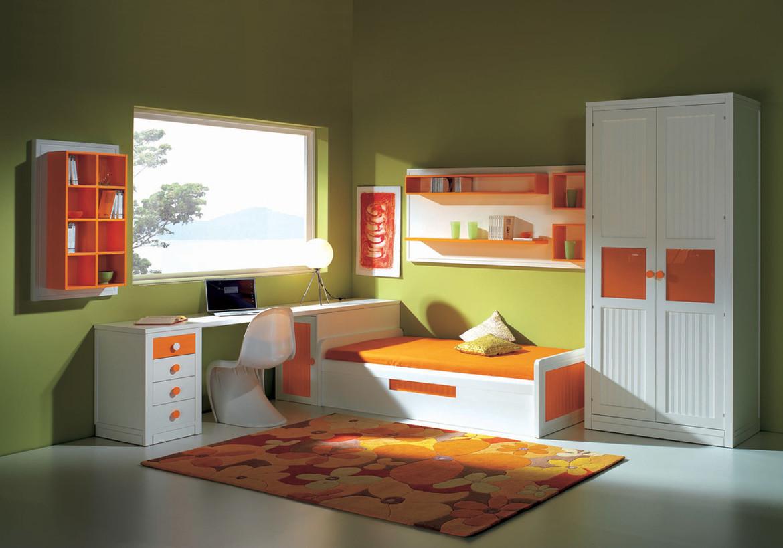 Детская, отделка белый и оранжевый матовый лак, стиль совере.